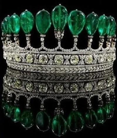 Самые роскошные украшения королевских особ.