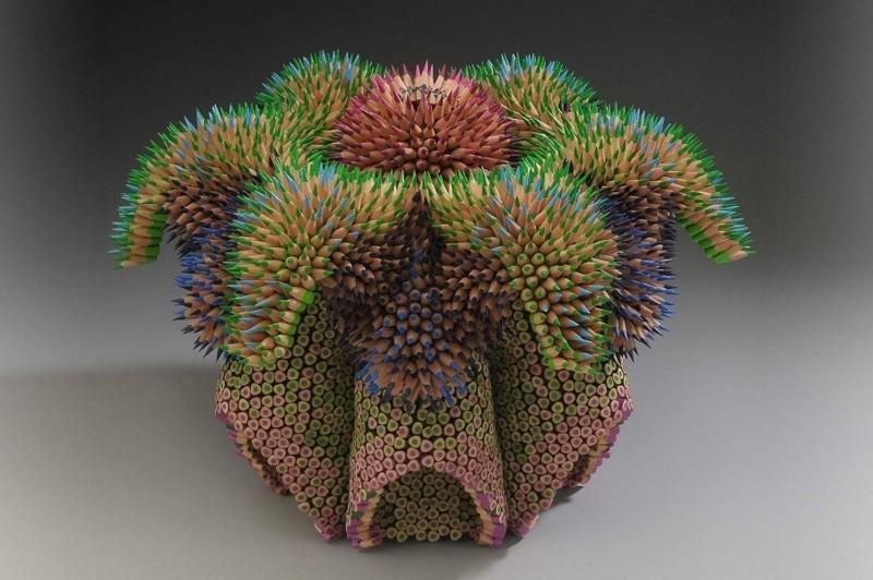Впечатляющие скульптуры из карандашей